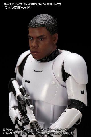 Figurine Kotobukiya - Star Wars First Order -  Stormtrooper Fn-2199 Artfx