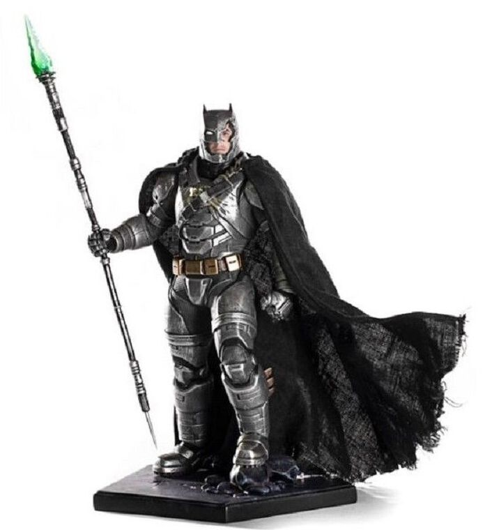 Statuette Iron Studio - Batman vs Superman - Batman en armure 25 cm