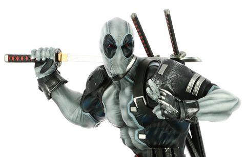 Statuette Semic PrototypeZ - Marvel - Deadpool Uncanny X-Force 46 cm