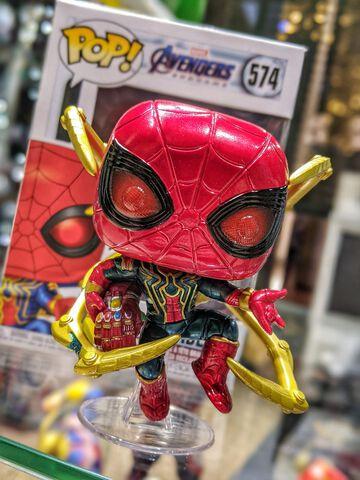 Figurine Funko Pop! N°574 - Avengers - Iron Spider Avec Gant Nano