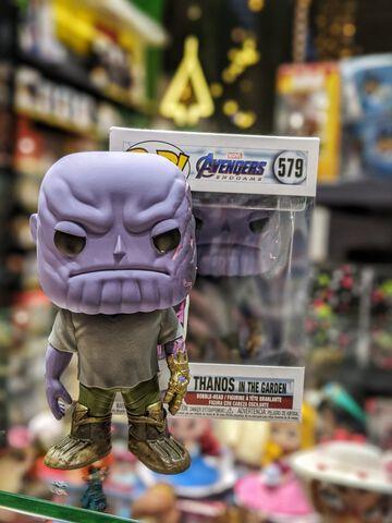 Figurine Funko Pop! N°579 - Avengers - Endgame - Casual Thanos Avec Gant
