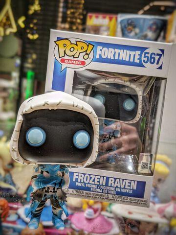 Figurine Funko Pop! N°567 - Fortnite - S4 Frozen Raven