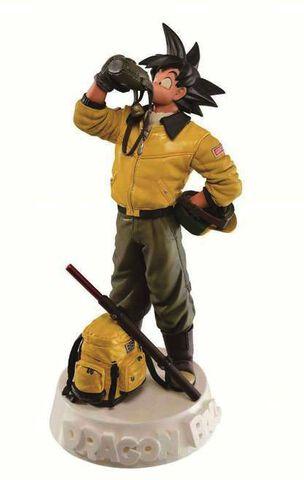 Statuette sCultures - Dragon Ball Z - Son Goku en Voyage 18 cm