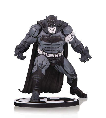 Statuette DC Collectibles - Batman Black & White - Batman by Klaus Janson 25 cm