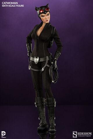 Figurine - Dc Comics - 1/6 Catwoman 30 Cm