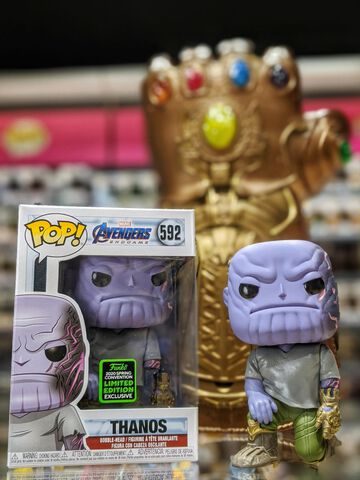 Figurine Funko Pop! N°592 - Marvel Avengers - Thanos (eccc 2020)