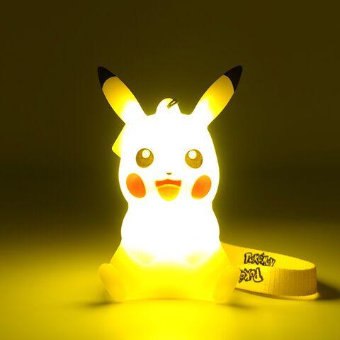 Figurine Lumineuse - Pokémon - Pikachu 10 cm