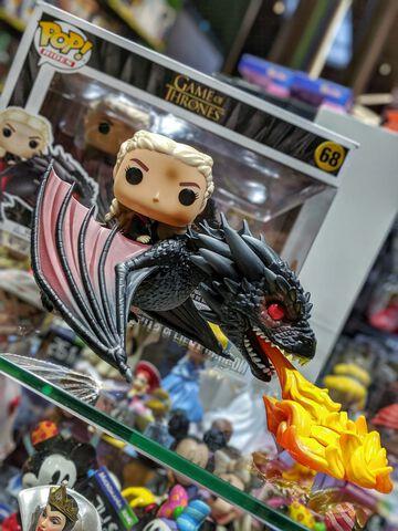 Figurine Funko Pop! Rides N°68 - Game of Thrones - Daenerys On Fiery Drogon - 15 cm
