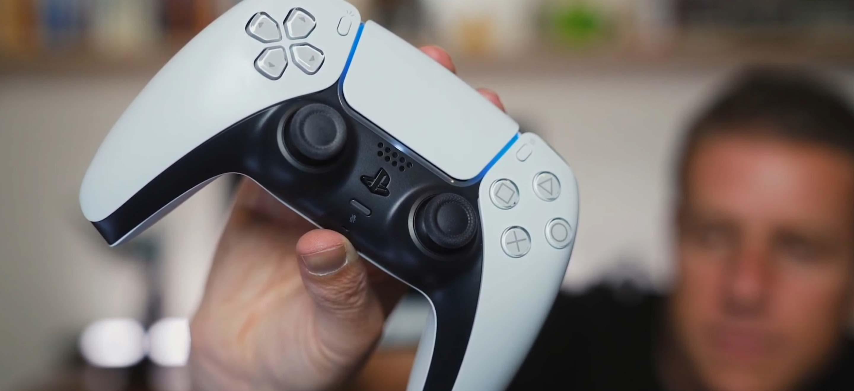 PS5 et Xbox Series X : l'histoire de l'évolution des manettes